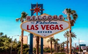 Elope at the welcome to Las Vegas sign