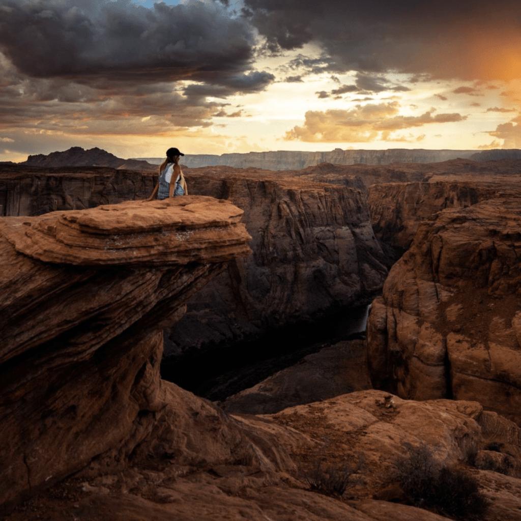 sunset at horseshoe bend in page arizona
